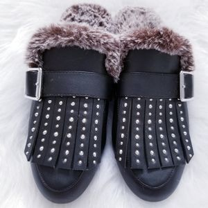 DesignLab Faux fur and leather mules.